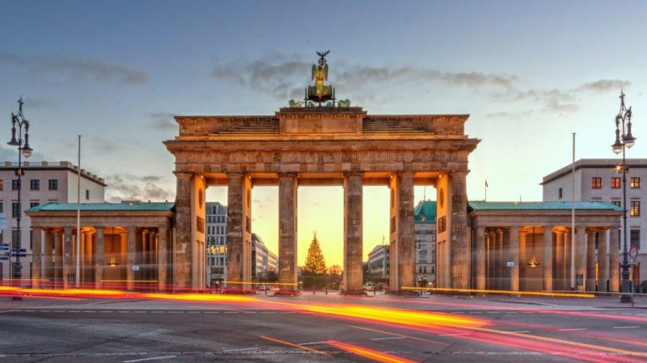 Выиграйте стажировку в Берлине и получите возможность попрактиковаться в офисе одного из немецких депутатов