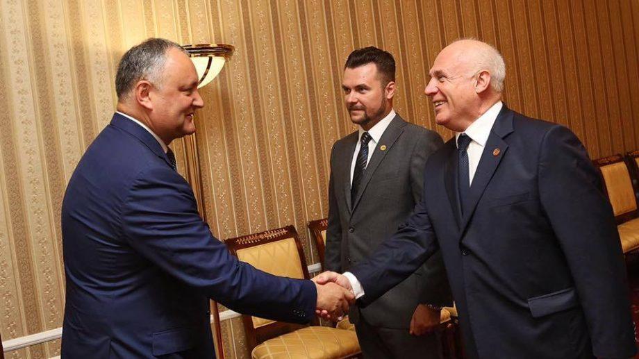 На празднование XX годовщины ПСРМ Игорь Додон пригласил делегацию крупнейших предпринимателей России для знакомства с молдавским бизнесом