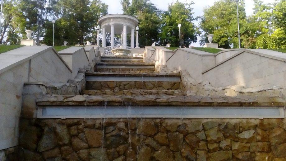 (фото) Каскадная лестница вновь радует жителей и гостей столицы работающими фонтанами