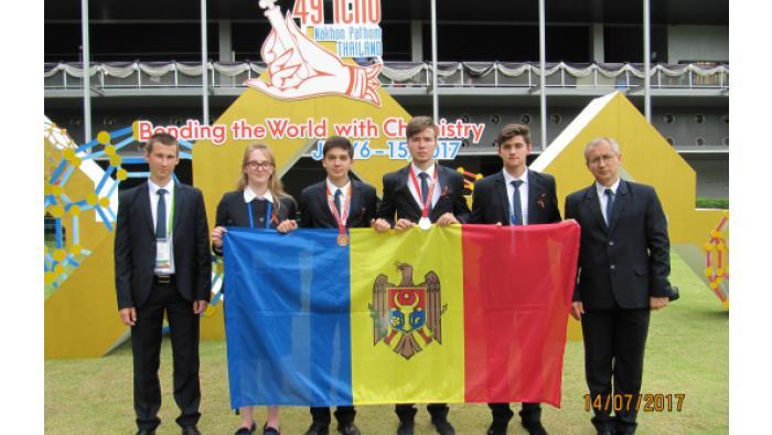 Молдавские лицеисты получили две медали на Международной олимпиаде по химии
