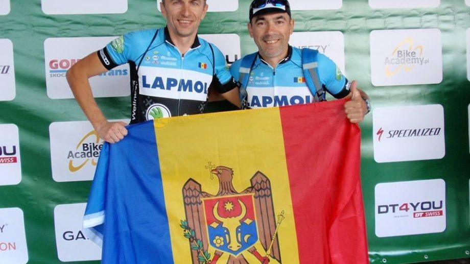 (фото) Молдавские любители маунтинбайка покоряют европейские многодневки