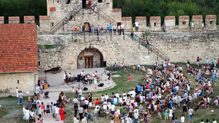 (фото) Как прошел концерт классической музыки La La Play в Бендерской крепости