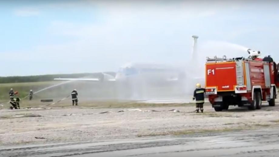 (видео) Как прошло учебное тушение пожара в Аэропорту Кишинева