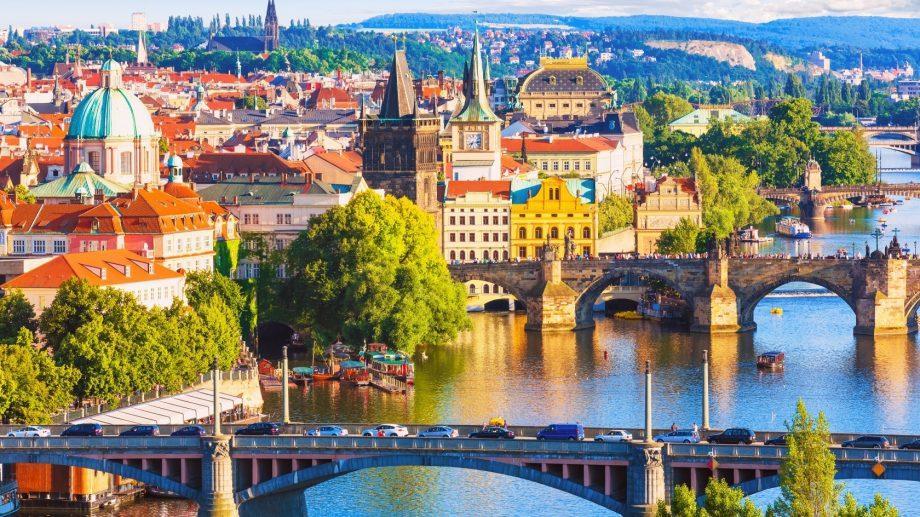 Планируешь учиться в Чехии? Прими участие в конкурсе на грант для бесплатного обучения