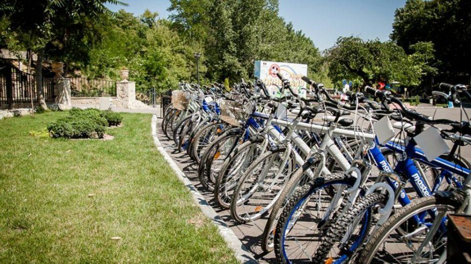 """(фото) Оргеев стал первым городом по внедрению проекта бесплатного велопроката """"Bike Sharing"""""""