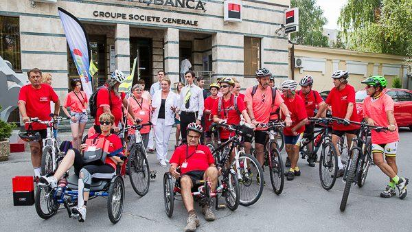 Члены французской ассоциации участвуют в благотворительном велопробеге по Молдове