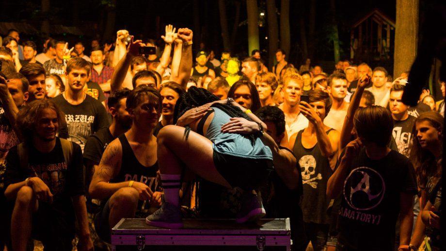 (фото) В Дурлештском лесу прошел самый громкий фестиваль года In Da Wood 2017. Узнай, как это было