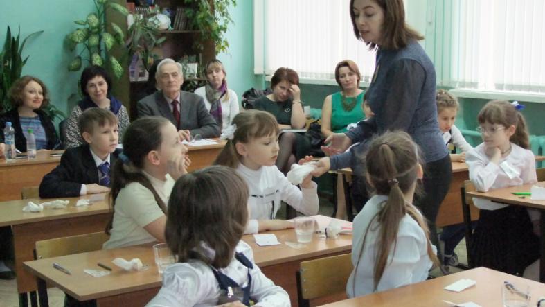 Приднестровские учителя будут в этом году получать зарплату в размере 4-4,5 тысячи рублей