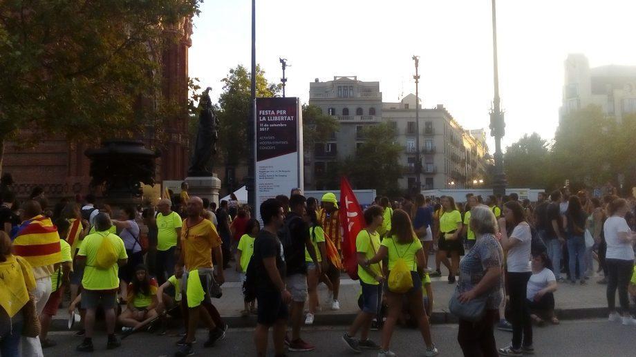 (фото, видео) Как в Барселоне прошло празднование Национального дня Каталонии