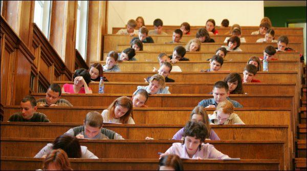 Набор студентов в российские вузы на этот учебный год завершен. Сколько мест было выделено Молдове