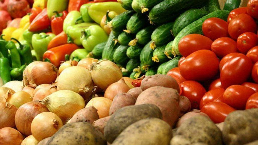Время идет, цены растут. Как подорожали овощи на центральном рынке за одну неделю