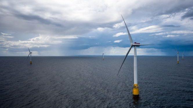 (видео) В Шотландии заработала первая в мире плавучая ветроэлектростанция