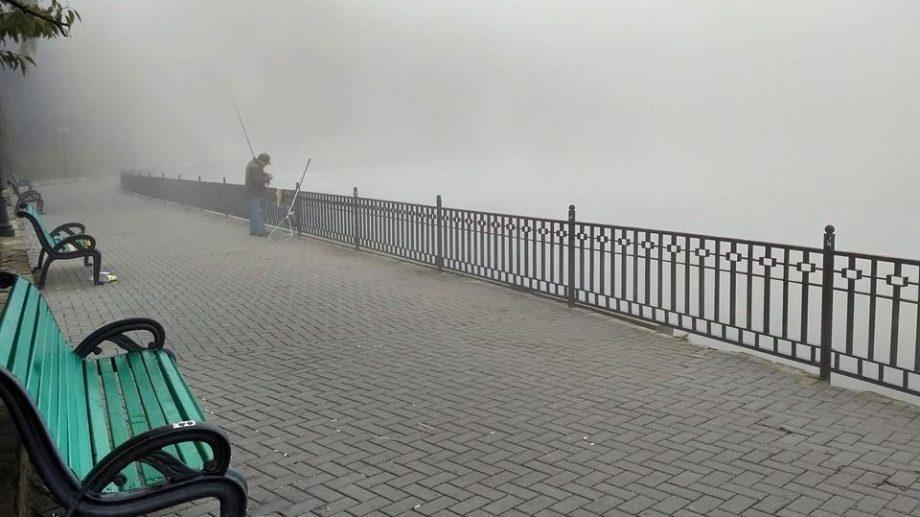 (фото) Как этим утром выглядел туман в парке Валя Морилор