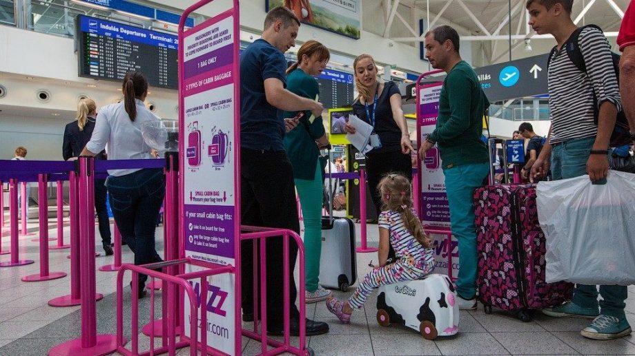 Wizz Air отменила плату за дополнительную большую ручную кладь