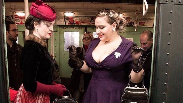 (фото) В метро Нью-Йорка курсирует ретро-поезд 30-х годов