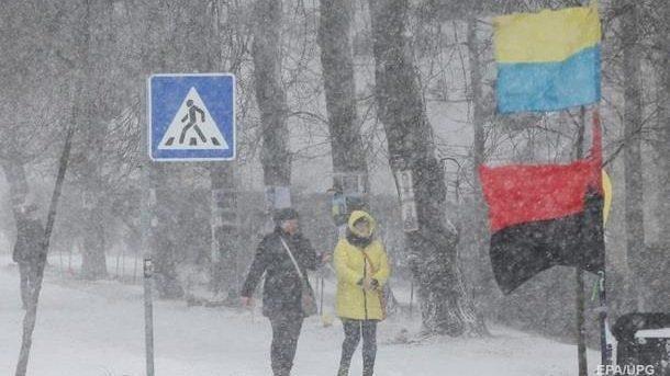 Вниманию путешественников: в Украине объявлено штормовое предупреждение
