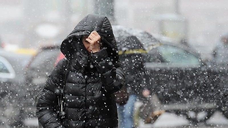 По всей Молдове объявлен жёлтый уровень метеоугрозы в связи с мокрым снегом и сильным ветром