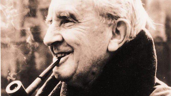 Джон Толкин – человек, подаривший нам мир Средиземья. 126 лет с момента рождения великого писателя