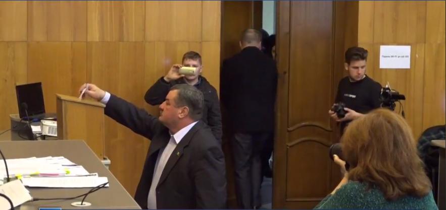 В Бельцах единогласным голосованием было решено провести референдум по отставке Ренато Усатого