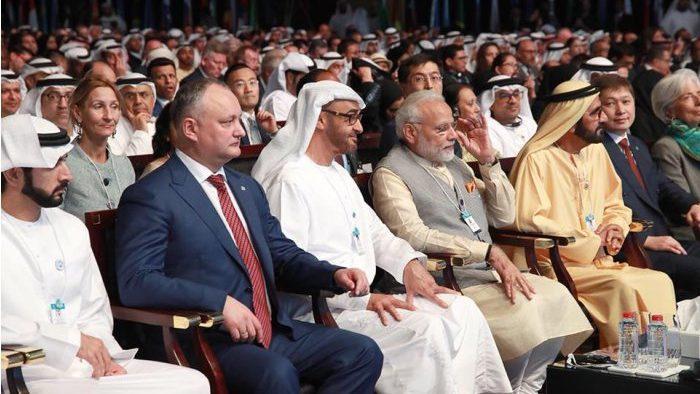Глава государства находится с рабочим визитом в Объединенных Арабских Эмиратах
