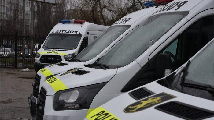 Десять новых автомобилей для перевозки заключенных были приобретены полицией