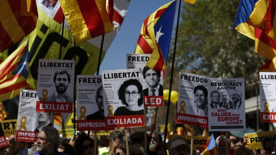 Новые массовые протесты в Каталонии: протестующие требуют освободить политзаключенных