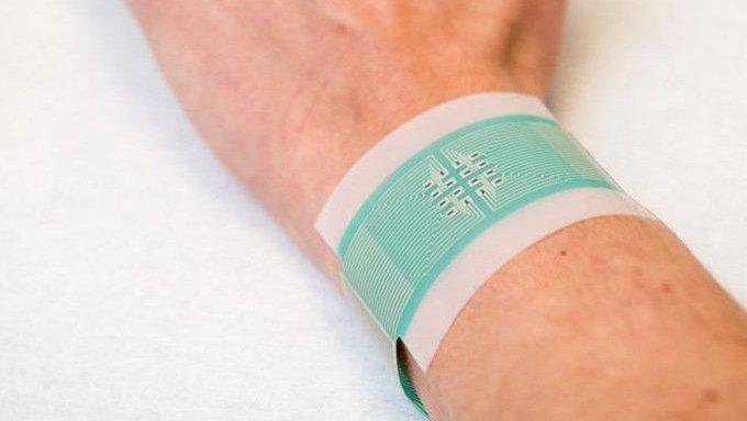 Ученые создали электронный пластырь, который неинвазивно измеряет уровня сахара в крови