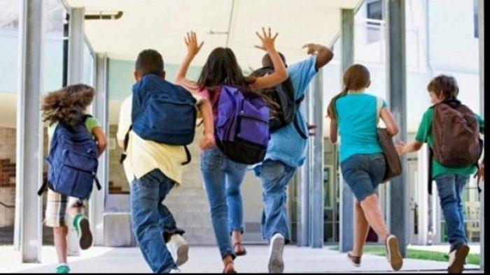 На Пасхальные каникулы уйдут более 330 тыс. учеников