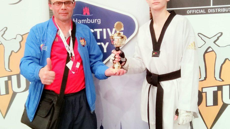 Боец тхэквондо из Тирасполя Сергей Усков выиграл золотую медаль в Германии
