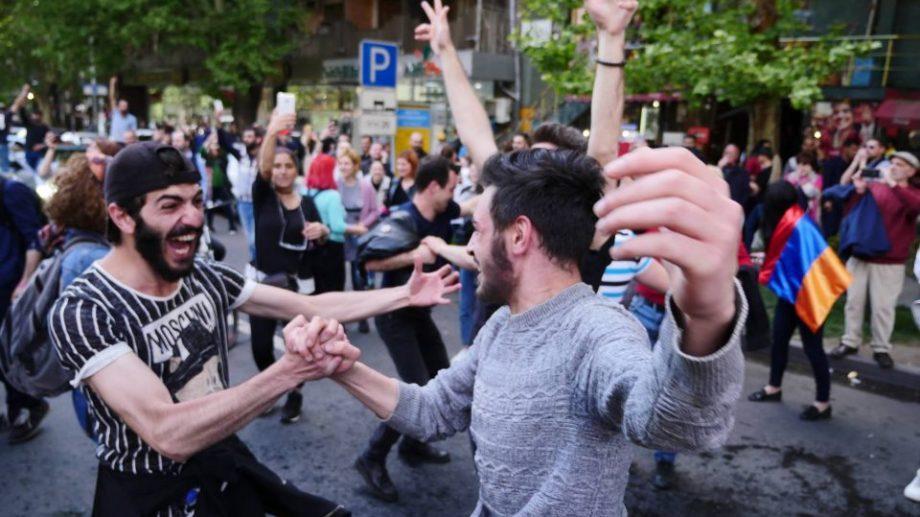 (фото) Армянский характер. 11 дней протестов против Саргсяна