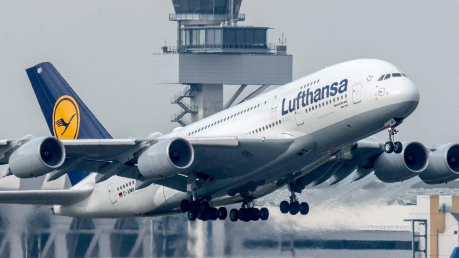 Lufthansa отменила более 800 рейсов, намеченных на 10 апреля
