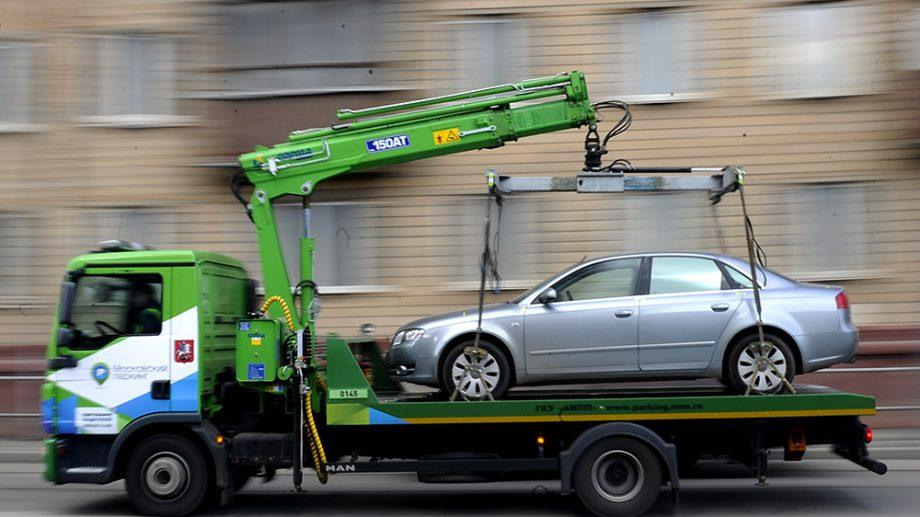 Эвакуацией неправильно припаркованных авто займутся частные фирмы