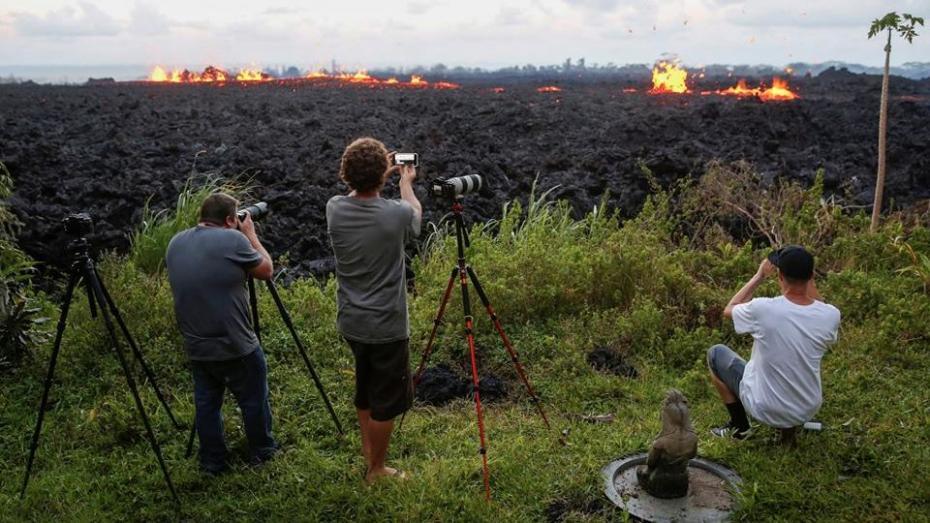 (фото, видео) Извержение вулкана на Гавайях приобрело высочайший уровень опасности
