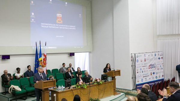 MedEspera собрал в Кишиневе студентов и молодых медиков из 13 стран