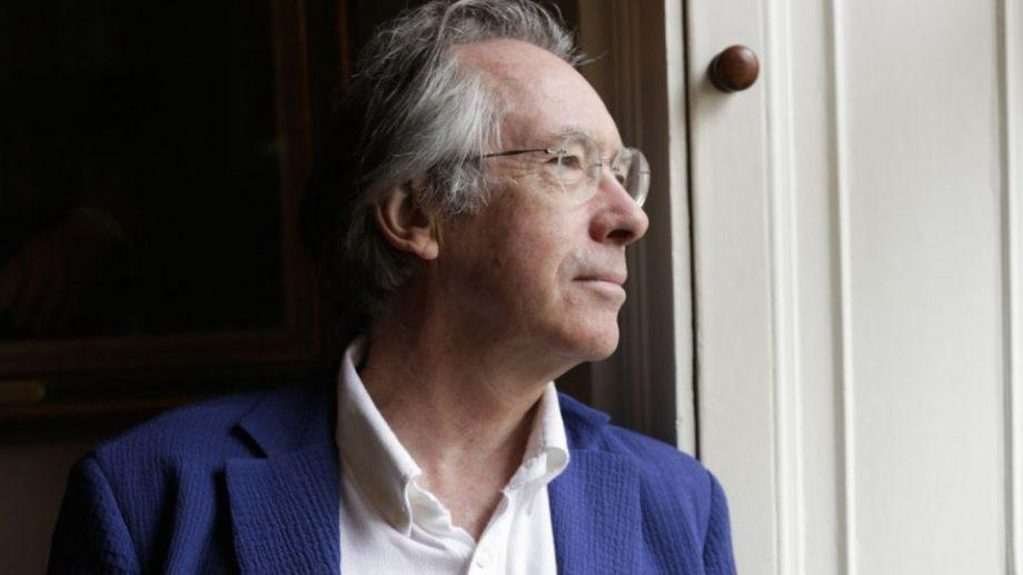 ian mcewan Ian mcewan, author of 'solar' describes his writing process, how he schedule's his day and about his homemade desks.