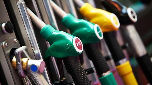 Качество топлива будет проверяться не только на таможне, но и на автозаправочных станциях
