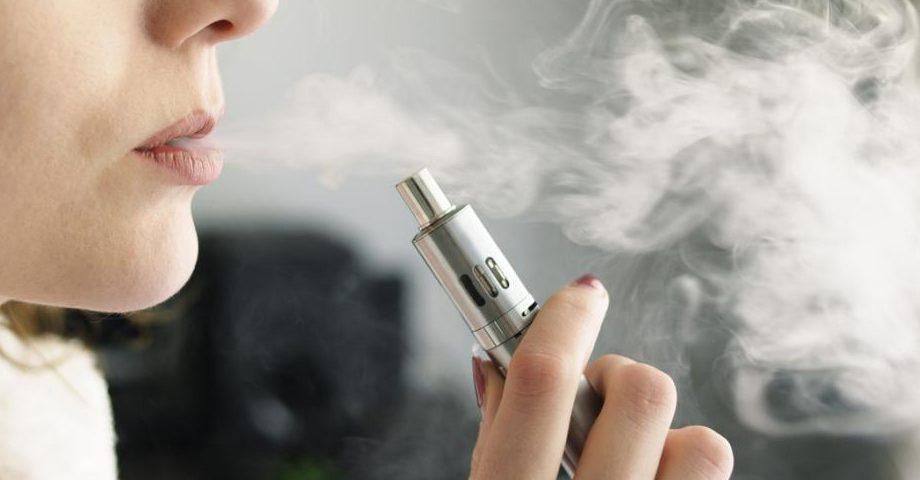 Исследование: Электронные альтернативы менее вредны, чем традиционные сигареты