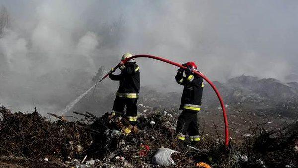 Свалка в Резине горит уже несколько дней. Власти пока не знают из-за чего вспыхнул огонь