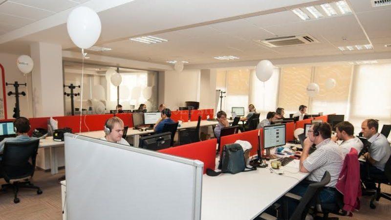 """Из-за """"аппетитных"""" зарубежных зарплат, молдавская молодёжь уезжает работать в интернациональных ИТ-компаниях. В Молдове, наниматели сталкиваются с дефицитом кадров"""