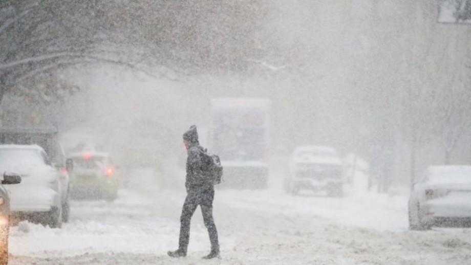 Жёлтый код опасность по всей стране! Метеорологи прогнозируют сильный снегопад который образует сугробы высотой 15 см
