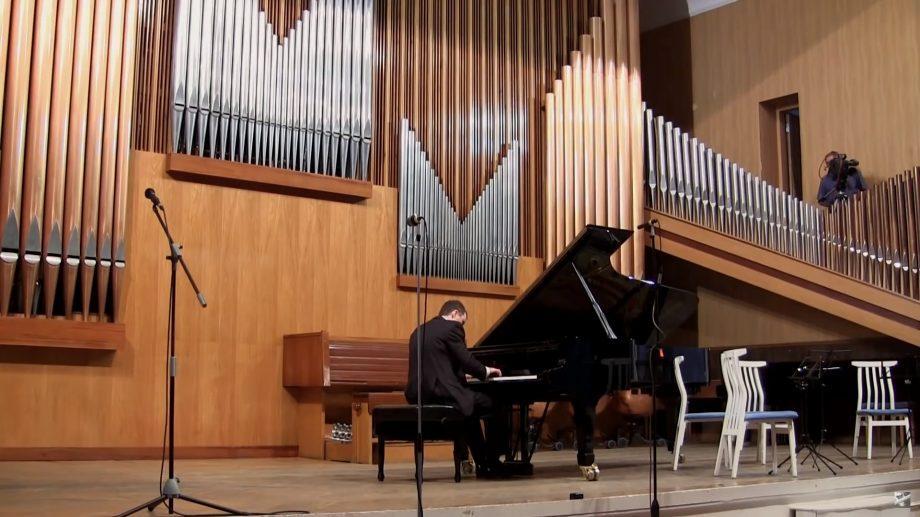 (видео) Лауреат международных премий, Александр Тимофеев является одним из самых знаменитых молдавских пианистов во всём мире
