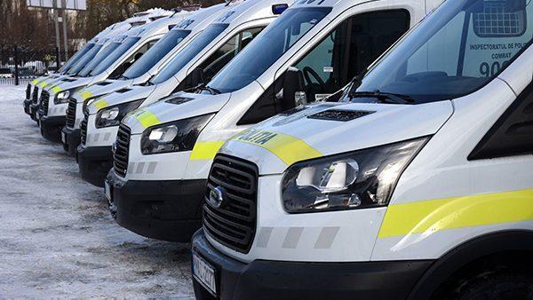 (фото) Полиция Молдовы приобрела 39 новых автомобилей марки Дачия и Форд