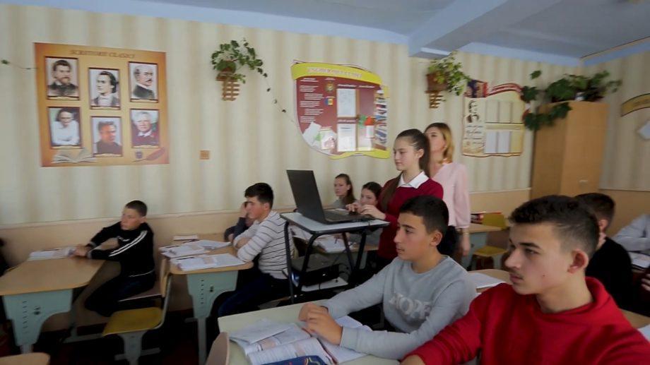 (видео) Прими участие в проекте Цифровая интеграция региональных школ Фонда Orange Moldova