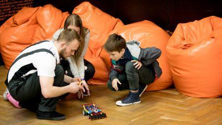 (фото) Изучайте новые технологии и программирование роботов в рамках занятий Orange Innovatic Academy