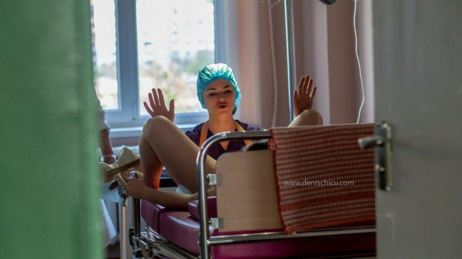 (фото) 24 часа из жизни акушера-гинеколога. Как выглядит моменты счастья и недосыпа доктора