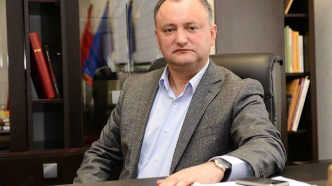 Игорь Додон дал интервью издании ТАСС. Что говорит о не рукопожатии со стороны Санду и Нэстасе и как Кремль (не) давит на президента