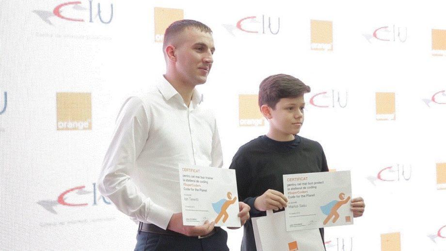 (видео) Самый грандиозный проект кодинга для учеников из Молдовы наградил победителей