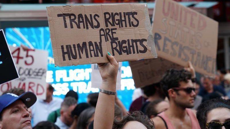 """Трансгендерность уже не """"болезнь"""". ВОЗ исключила его из списка ментальных расстройств"""