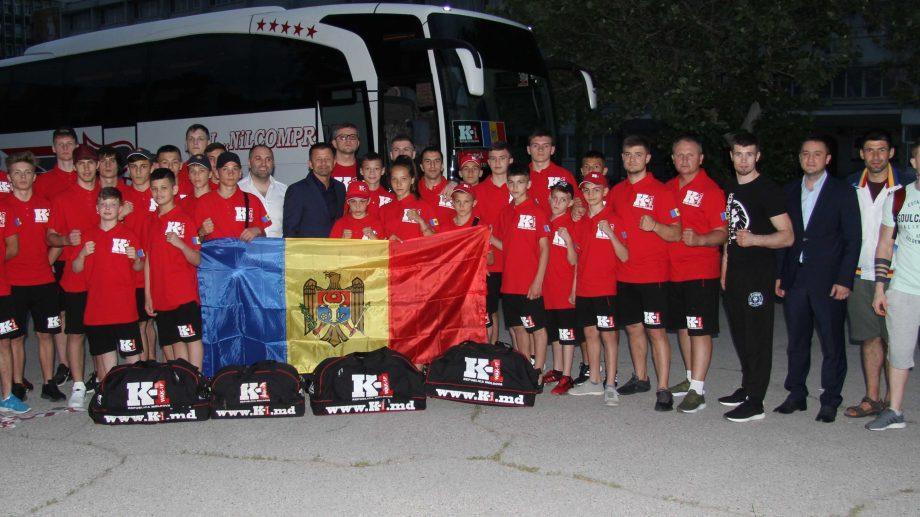 (видео) Молдавские спортсмены по любительскому К1 отправилась в Италию на международный чемпионат Kombat League