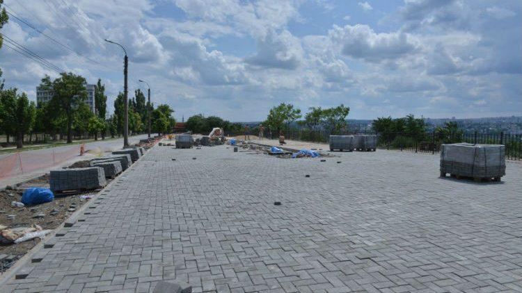 В конце августа в столичном секторе Чеканы откроют две зоны отдыха